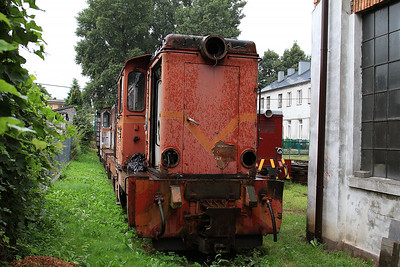 PGTKW Lxd2 453 / 466 stored outside the shed at Piaseczno Miasto - 08/08/14.