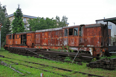 PGTKW Lxd2 466 / 453 stored outside the shed at Piaseczno Miasto - 08/08/14.