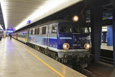 PKP EU07 212, Warszawa Centralna, I-35108/9 05.08 Przemyśl-Bydgoszcz - 08/03/14.