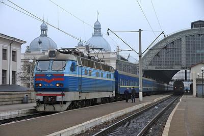 UZ ChS4 154, Lviv, 74 07.41 to Moskva Kyivska - 09/03/14.