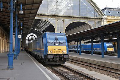 MÁV 480009 / 480025, Budapest Keleti, IC912 08.10 to Sopron/Szombathely / IC502 08.30 to Miskolc  - 05/04/14.