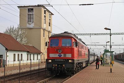 DB (on hire to GYSEV) 651004 (232598), Csorna, IC912 08.10 Budapest Keleti-Szombathely  - 05/04/14.