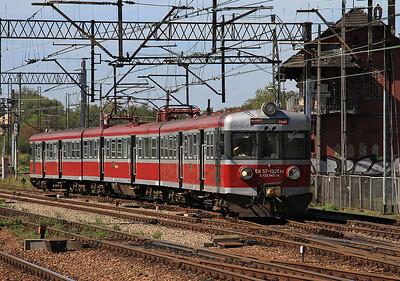 PKP EMU EN57-1326 arrives at Katowice - 17/09/15.