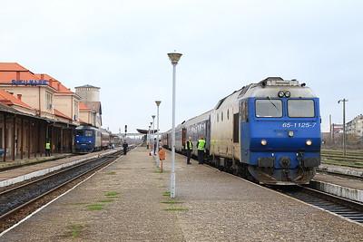 CFR 62-0741 / 65-1125, Satu Mare, 4342 11.25 to Valea Lui Mihai / 4090 09.46 ex Baia Mare - 22/11/15.