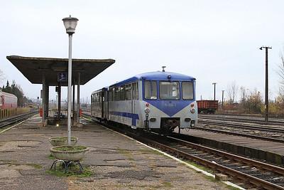 CFR 'Ferkeltaxi's'  79-0538 + 79-0138, Baia Mare, 4313 07.42 ex Satu Mare - 22/11/15.