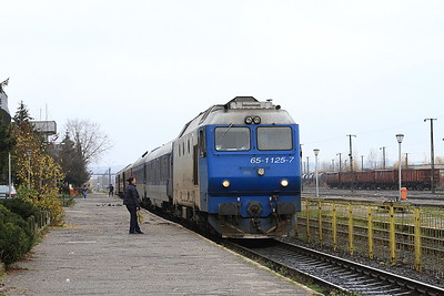 CFR 65-1125, Baia Mare, 4090 09.46 to Satu Mare - 22/11/15.