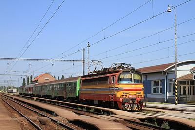 ZSSK 240121, Šaľa, 4651 09.07 ex Bratislava - 29/05/15.