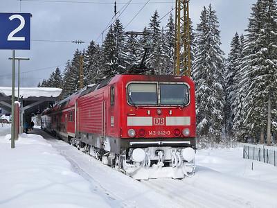 DB 143042, Hinterzarten, RB26930 10.39 Seebrugg-Freiburg(Brsg) - 02/02/15.