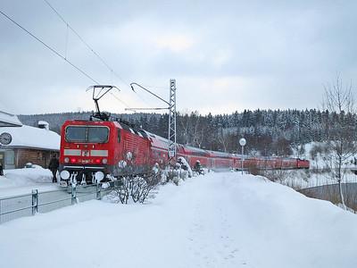 DB 143055, Schluchsee, on rear of RB26953 15.10 Freiburg(Brsg)-Seebrugg - 01/02/15.