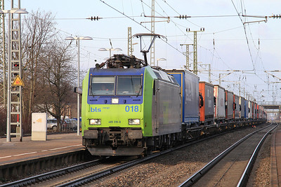 BLS 485018 passes Müllheim(Baden) with a Southbound train of lorry transporters - 04/02/15.