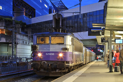 SNCF 25650, Rennes, 857628 18.15 to Laval - 30/10/15.