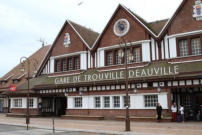 Trouville Deauville station front - 30/10/15.