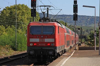 DB 143012 dep Bad Cannstadt, on rear of RE22027 13.22 Stuttgart-Tübingen - 01/10/15.