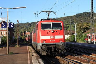 DB 111108 dep Weinheim (Bergstrasse), on rear of RB15366 17.24 Heidelberg-Frankfurt (Main) - 01/10/15.