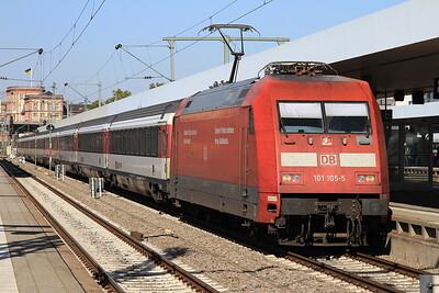 DB 101105 arr Mannheim Hbf, EC7 04.28 Hamburg Altona-Zürich - 01/10/15.