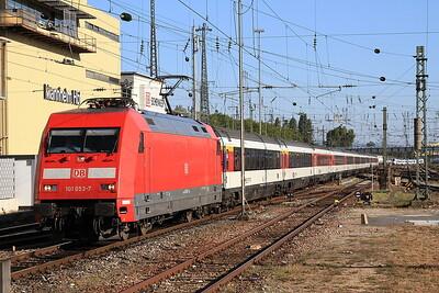 DB 101053 arr Mannheim Hbf, EC6 13.00 Zürich-Hamburg Altona - 01/10/15.