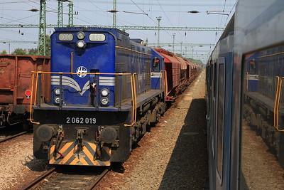 HŽ 2062 019, Murakeresztúr, Croatia-bound freight - 14/08/15.