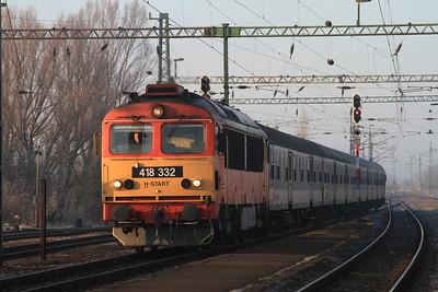 MÁV 418332 arr Szabadbattyán, 979 05.53 Tapolca-Budapest Kelenföld - 13/02/15.