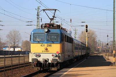 MÁV 431296 dep Kőbánya Kispest, RE3714 10.32 to Kunszentmiklós - 13/02/15.