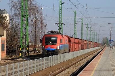 Rail Cargo Austria (ÖBB) 1116 015 arr Püspökladány with a loaded coal train for Romania - 13/02/15.