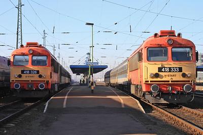 MÁV 418326 / 418333, Debrecen, 6822 09.12 to Valea Lui Mihai & 6814 11.12 to Valea Lui Mihai - 14/02/15.