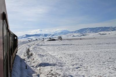 MŽ 661236 heads through a Winter Wonderland near Bakarno en route to Bitola - 10/01/15.