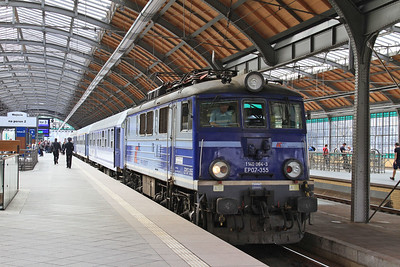 PKP EP07 355, Wrocław Gł, TLK61100 13.17 Sklarska Poręba Górna-Warszawa Wschodnia - 24/04/15.