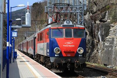 PKP EP07P 2005, Sklarska Poręba Górna, R67900 14.40 to Poznań - 24/04/15.