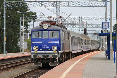 PKP EP07 1068 arr Wrocław Mikołajów, TLK16101 05.48 Warszawa Wsch.-Sklarska Poręba Górna - 23/07/15.