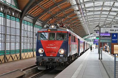 PKP EP07P 2002, Wrocław Gł, R67923 11.20 to Poznań - 23/07/15.
