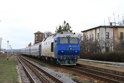 CFR 65-1227, Buhâieşti, IR1663 12.00 Bucureşti Nord-Iaşi - 01/04/15.