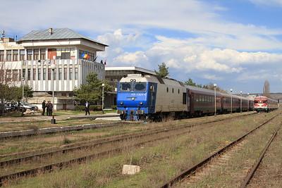 CFR 65-1324, Bârlad, IR1664 14.16 Iaşi-Bucureşti Nord - 01/04/15.