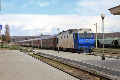 CFR 65-1324 arr Bârlad, IR1664 14.16 Iaşi-Bucureşti Nord - 01/04/15.