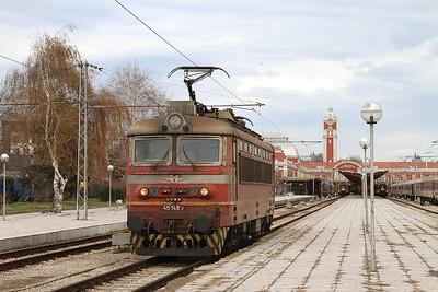 BDZ 45149, Varna, backing onto PV20162 14.23 to Shumen - 09/12/16.