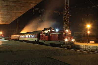 BDZ 55138 steaming nicely at Levski, KPV24225 19.22 to Troyan - 08/12/16.