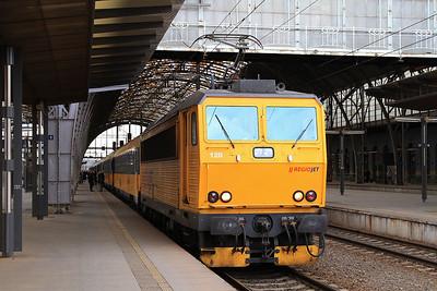 Regiojet 162120, Praha Hl, RJ1009 13.46 to Havířov - 05/02/16.