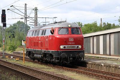 RPRS 216002 running round at Braunschweig Hbf - 15/05/16.