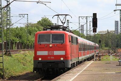 DB 111194 arr Frankfurt (Main) Niederrad, RE4568 13.39 Mannheim-Frankfurt (Main) - 14/05/16.