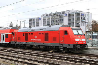 DB 245015, München Ost, on rear of RB27045 14.07 München-Mühldorf (starting here due to engineering work) - 11/11/16.