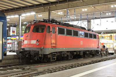 DB 115448, München Hbf, having brought in the ECS for EN463 23.36 to Budapest Keleti - 10/11/16.