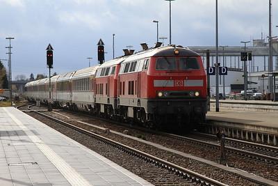 DB 218421+218401 arr Buchloe, EC193 07.47 Basel SBB-München - 11/11/16.