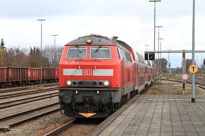 DB 218429 arr Buchloe, RB57342 11.03 Augsburg-Füssen - 11/11/16.