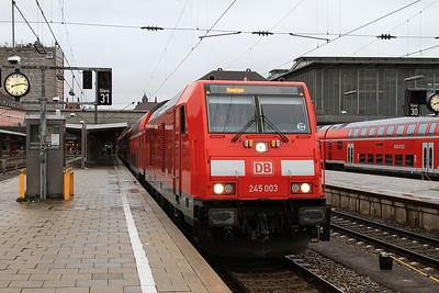 DB 245003, München Hbf, RE57406, 08.30 to Memmingen - 11/11/16.