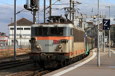 SNCF 25663 arr Nancy Ville, ECS to form 835235 17.03 to Remiremont - 23/03/16.