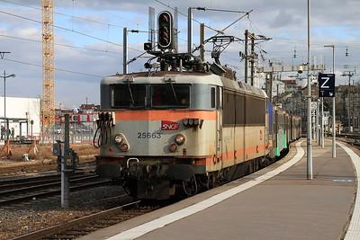 SNCF 25663 arr Nancy Ville, ECS to form 835235 17.03 to Remiremont - 23/03/16.