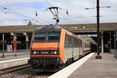 SNCF 26166 dep Metz Ville, IR91 07.33 Brussel Zuid-Basel SBB - 23/03/16.