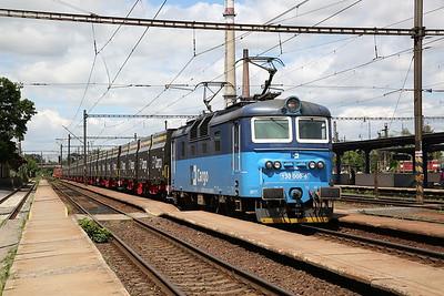 ČD Cargo 130008 dep Nymburk Hl, block freight - 30/06/17.