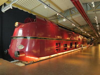 DB Streamliner, 05 001, on display in the DB museum, Nürnberg (the only survivor of 3 built) - 03/01/17.