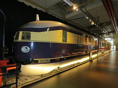 """Flying Hamburger"" streamlined DMU, on display in the DB museum, Nürnberg - 03/01/17."