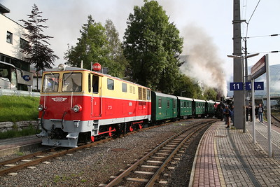 SLB 2095.01, Zell am See, backing in the stock for 900 09.25 'Nostalgiezug' to Krimml - 09/09/17